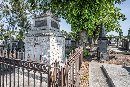 MOUNT JEROME CEMETERY AND CREMATORIUM IN HAROLD'S CROSS [SONY A7RM2 WITH VOIGTLANDER 15mm LENS]-117011