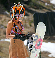 Bad Hair Day on the Slopes (Colorado Sands (little break)) Tags: people woman usa sports june lady female us spring women colorado helmet babe babes snowboard rockymountains recreation snowboarder summitcounty springtime abasin springskiing sandraleidholdt araphoebasin