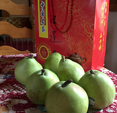 Pears and Tea_still life_1224 (glantine) Tags: stilllife pears cheznous naturemorte poires