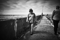 (thierrylothon) Tags: france monochrome flickr fuji bretagne promenade fr morbihan publication noirblanc personnage quiberon c1pro captureonepro phaseone activit conceptuel wclx100 fujix100t fluxapple