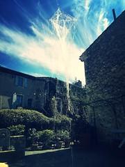 La fuite du cerf-volant (Ridha Dhib) Tags: sky vent lumire trace bleu ciel aire membrane ligne cerfvolant rhizome cration fuite rsidence mirmande matire oohlalart