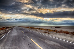 Panamint Morning (Ross Forsyth - tigerfastimagery) Tags: usa roadtrip deathvalleynationalpark california nevada america wild nature landscape 2015 valley death panamint morning mist 190 fog sunrays panamintrange mountains