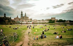 Saxon Day (Steve Lundqvist) Tags: dresda dresden germany deutschland saxon day holiday fest summer balloon children river boats boat bridge germania people urban land landscape