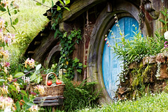 Hobbiton (FrƷd) Tags: newzealand canon movie lotr nz lordoftherings tamron hobbit hobbiton matamata 700d frʒd