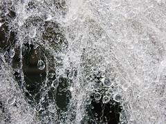 Roco / Dew (Rubn Daz Caviedes) Tags: espaa water droplets drops spain agua gotas dew foam raindrops cantabria espuma roco aislantetrmico