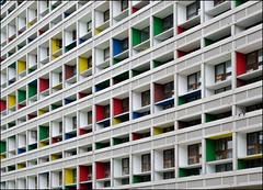 La Cité Radieuse (Clydomatic) Tags: architecture couleurs blanc façade lignes immeuble