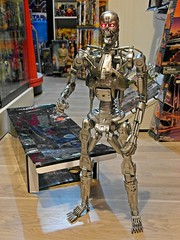 NECA  Terminator 2  1/4 Endoskeleton  Battle Damage Version  Jailbreak !!! (My Toy Museum) Tags: big terminator t2 neca endoskeleton