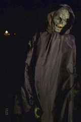 Death One of the many monsters at Haunted Hollow, Weyauwega, WI 11/02/2014 6:39PM (Craig Walkowicz) Tags: halloween death fear terror scare fright grimreaper ccw