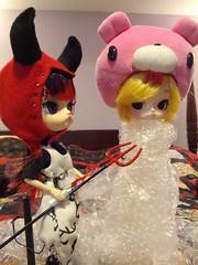 The new girl's initiation. (Kyubi09) Tags: gloomy dal groove pullip hazing bubblewrap lipoca