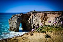 DSC_0144 (FlipperOo) Tags: voyage sea mer france color st rock port de nikon pierre vagues plage morbihan blanc roche arche quiberon instagramapp