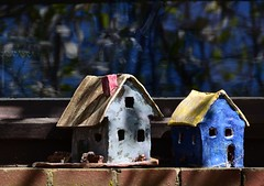 (Gerlinde Hofmann) Tags: two germany town handmade birdhouse thuringia pottery hildburghausen
