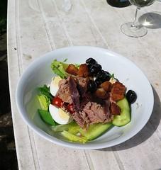 salade nicoise (ndrwfgg) Tags: lunch saladenicoise sortof