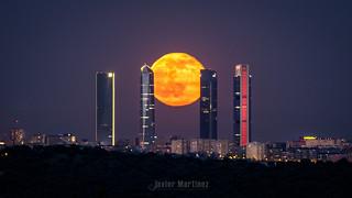Luna llena 22 Mayo 2016 entre las 4Torres