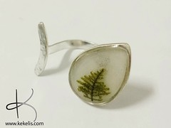 A drop of nature!   #handmade #jewelry #ring #natural #moss #oneofaking #sterlingsilver (Kejoyas) Tags: moss natural handmade jewelry ring sterlingsilver oneofaking