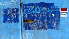 Like, they mean it! (Robert Saucier) Tags: newyorkcity blue red newyork wall brooklyn rouge graffiti tag bleu mur img1956