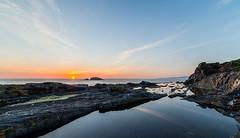 Sunset (Lois.Barros) Tags: costa sol water del de landscape mar agua corua horizon playa paisaje puestadesol puesta aire ocaso libre roca orilla mera solpor serenidad formacin rocosa