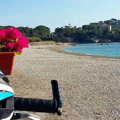 Oggi vi mostriamo #cavo, la piccola e deliziosa frazione di #riomarina, grazie a Vincenzo La Terza che  in giro con la sua #mtb. Continuate a taggare le vostre foto con #isoladelbaapp il tag delle vostre vacanze all'#isoladelba. http://ift.tt/1NHxzN3 :he (isoladelbaapp) Tags: rio marina elba porto di campo azzurro portoferraio marciana isoladelba capoliveri visitelba
