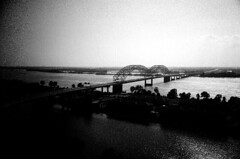 The Mississippi (gaypunk) Tags: bridge film river mississippi lomo memphis tennessee