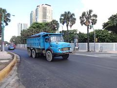 Mercedes Benz 2624 (RD Paul) Tags: truck mercedes benz dominicanrepublic camion trucks santodomingo camiones repúblicadominicana