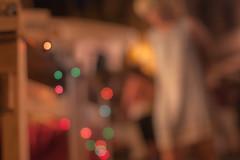 Luces de mi niez - 29/52 Low light (Nathalie Le Bris) Tags: light blur luz night noche market lumire march guirlande nit guirnalda cret