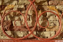 assieme 3 (MarcoAgustoniPhotography) Tags: mattonelle camera hotel ferro battuto rosso dettagli caldo decorazione letto sastore