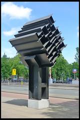 amsterdam monument ms vaz dias 02 1967 vd heide h (weesperstr) (Klaas5) Tags: holland dutch paysbas netherlands niederlande picturebyklaasvermaas nederland art artwork kunst kunstwerk sculptuur sculpture plastiek publicart postwarart