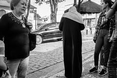 The muslim woman (marcelo_valente) Tags: myfujifilm fotografiaderua xf27mm muculmana fujifilmxe2 xe2 fujifilm embudasartes streetphotographer fujixe2 brazil embu muslim monochrome woman arabe fujilove fuji xphotographer fujixclub fotoderua blackandwhite streetphotography
