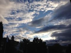October 12, 2016 08:15:46 (Natascha W) Tags: sky himmel morgenhimmel morningsky clouds cloudy cloud wolken wolkig bewlkt weather wetter herbst autumn fall schlossberg graz uhrturm trees tree bume baum sonnenlicht sunlight sonne sun light licht morning morgen stadt city