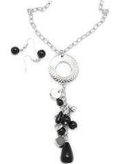 5th Avenue Black Necklace P2120A-3
