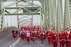 WIDNES RUNCORN SANTA DASH (BigAl7) Tags: santa dash runcorn widnes runcornbridge