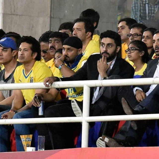 SPORTS AND CINE CELEBRITIES  WATCHING HERO INDIAN SUPER  LEAGUE CHAMPIONS FINAL MATCH IN DY PATIL STADIUM, MUMBAI, INDIA TODAY