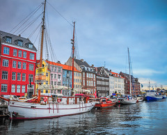Nyhavn (New Harbor) Copenhagen Denmark (mbell1975) Tags: new water copenhagen denmark restaurant nyhavn harbor boat canal cafe ship waterfront harbour restaurants danish hafen dänemark danmark kopenhagen cafes dinamarca københavn kobenhavn danemark copenhague neuer kongens ilobsterit