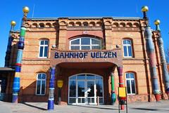 Bahnhof Uelzen von Hundertwasser (Liwesta) Tags: germany deutschland bahnhof railstation uelzen niedersachsen