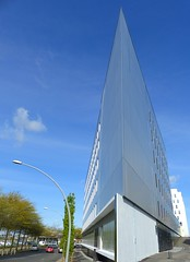 L'angle du btiment du Bd Willy Brandt (CorcuffR) Tags: st angle gare batiment nazaire