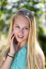 Dutch Girl (siebe ) Tags: family portrait holland netherlands girl dutch photoshoot nederland 13 portret meisje fotoshoot 2016