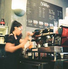 Cuatro Sombras (Luis Andrei Muoz) Tags: 120 film coffee caf analog mediumformat analgica oldsanjuan puertorico explore barista viejosanjuan kodakfilm filmphotography rolleiflext kodakektar100