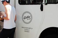 Grillin' me softly (Gulius Caesar) Tags: people food me truck canon munich eos rebel market grilling flea softly glockenbach t2i glockenbachfest