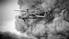 Apache Gunship (WeeMac1) Tags: apachegunship apache gunship attackhelicopterdisplayteamfarnboroughairshow2016 helicopter attack heli display team farnborough air show 2016