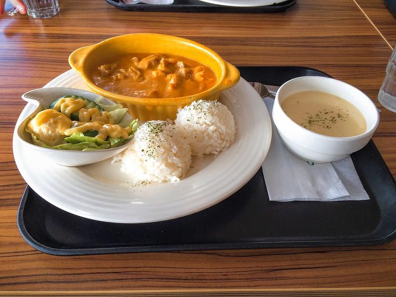 泰式紅咖哩雞肉飯