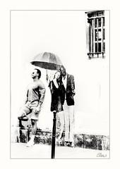 Umbrella street (Elisa.z) Tags: 18200 2016 canon70d graffitis highkey homme nb paris streetart streetphotography
