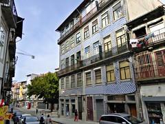 Just a street in Porto (Linda DV) Tags: lindadevolder panasonic geotagged travel portugal porto europe 2016 citytrip oporto ribbet
