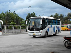 Husky Tours 5788 (Monkey D. Luffy 2) Tags: zhongtong mindanao bus photography philbes philippine philippines enthusiasts society