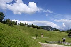 Alto Adige (Italy) - Alpe di Siusi (Massimo Battesini) Tags: nationalgeographic worldtrekker fujifilmxt1 fuji xt1 fujixt1 fujifilm finepix fujinon fujinonxf18135 fuji18135 fujifilmfujinonxf18135mmf3556rlmoiswr montagna montagne dolomiti mountains montaas berg dolomite dolomitas dolomites alpi alpes alps alpen nuvole castelrotto trentinoaltoadige italia it italy italie italien europa europe siusi seiseralpe alpedisiusi seiseralm