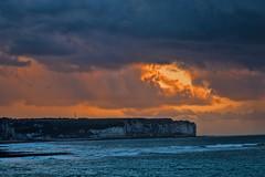 Abendstimmung (Seahorse-Cologne) Tags: frankreich france normandie clouds sky heaven sunset fecamp sea atlantik meer ozean kreidefelsen