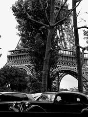 Paris - Citroen Traction Avanr - (J