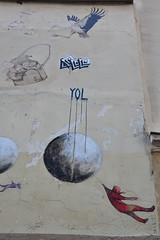 Accroch  la terre, Philippe Hrard. Et l'oiseau YOL (Jeanne Menj) Tags: globe oiseau yol plante accroch philippehrard