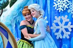 FoF - Frozen (EverythingDisney) Tags: anna frozen princess disney parade queen disneyworld wdw waltdisneyworld elsa magickingdom fof princessanna queenelsa festivaloffantasy