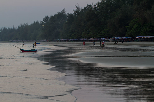 Mae Pim Beach in Dawn