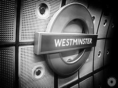Underground (Yo Gladman) Tags: london westminster underground tube niksoftware
