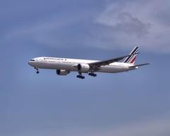 F-GSQB | Boeing 777-328(ER) | Air France (jANgsg) Tags: clouds singapore sin blueskies airfrance wsss cias fgsqb boeing777328er cn32724